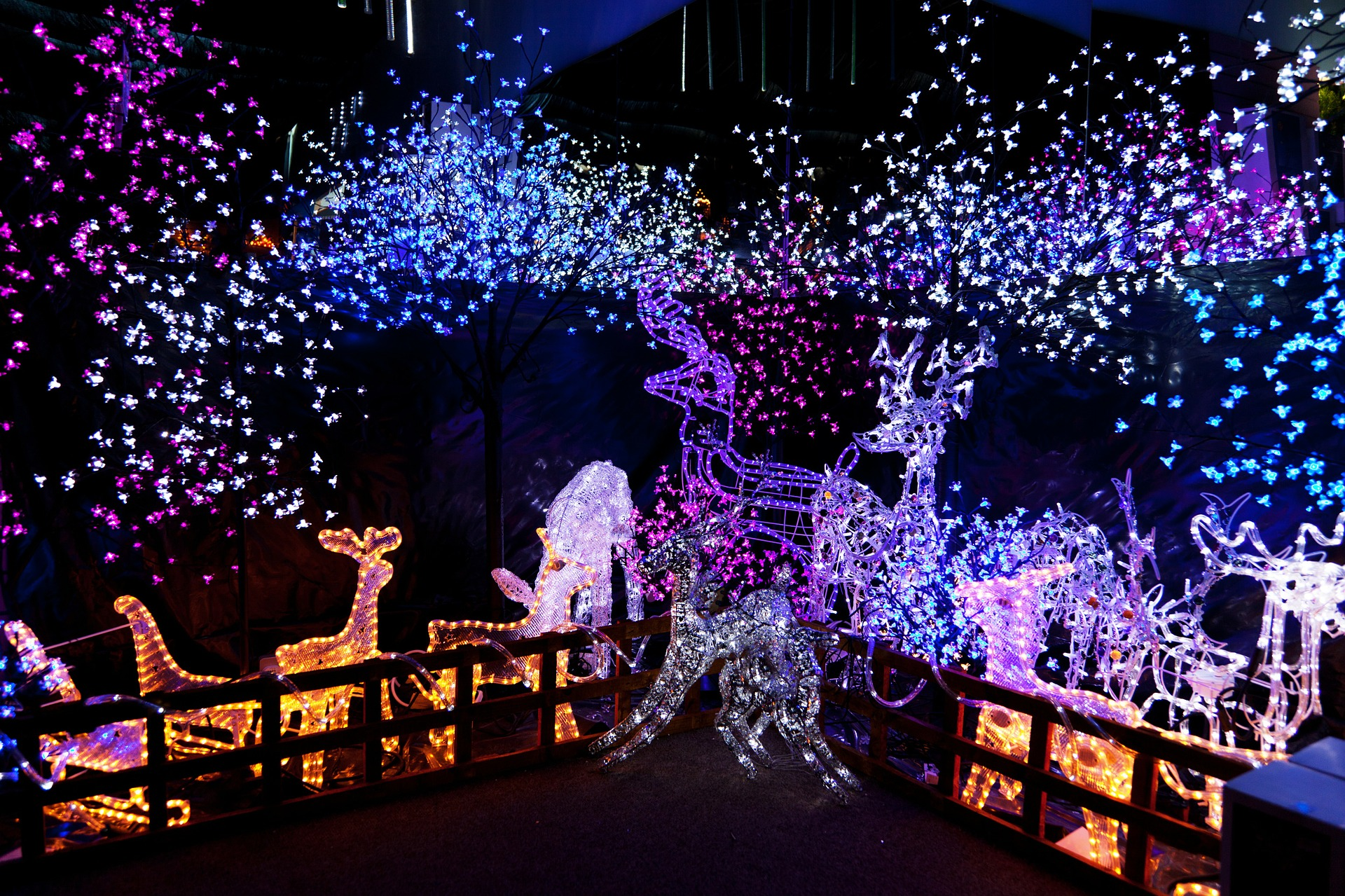 Christmas Lights To Music.Create A Fully Automated Light And Music Show For The
